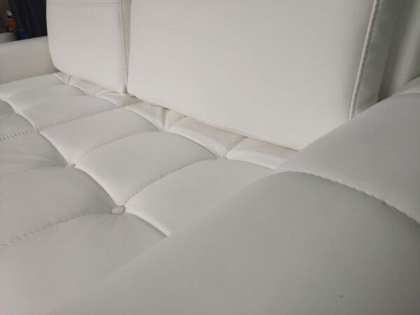 Sofa Verona rozkładana kanapa dwuosobowa białą eko skóra pikoeane siedziska